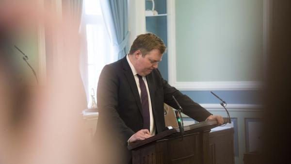 Sigmundur David Gunnlaugsson qui avait bouleversé le système bancaire islandais a été rattrapé par les #Panama papers et a dû démissionner. Il gênait pas mal de monde. Mais il est tombé dans le piège.