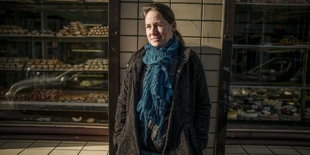 Sarah Turine, échevine Ecolo de Molenbeek, résiste aux menaces de mort dont elle fait l'objet.