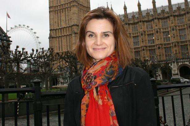 Jo Cox membre de la Chambre des communes britannique, députée travailliste, humaniste, assassinée par un fasciste fanatique