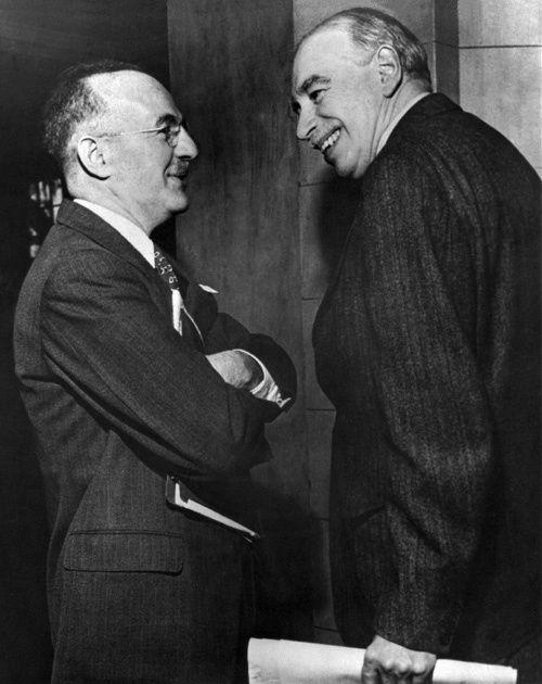 Harry Dexter White, Secrétaire d'Etat américain aux finances et John Maynard Keynes à Bretton Woods