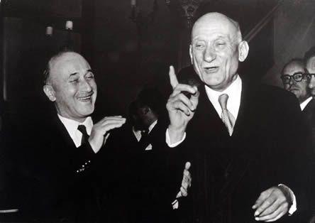 Jean Monnet et Robert Schuman, les fondateurs de l'Europe communautaire s'inspirant du corporatisme des vychissois.