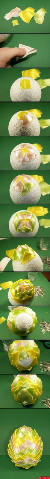 Boule pomme de pin pour Noël