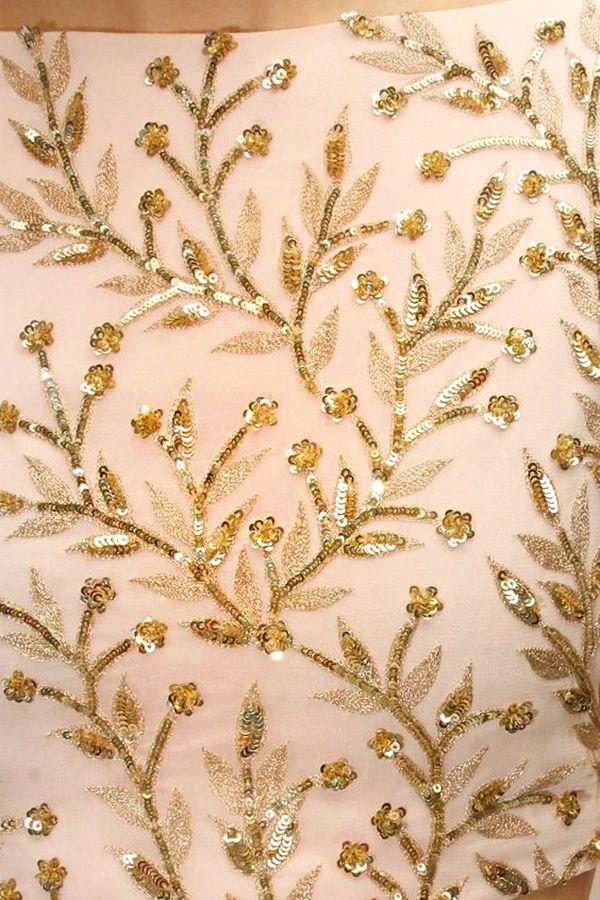 Robes brodées de perles