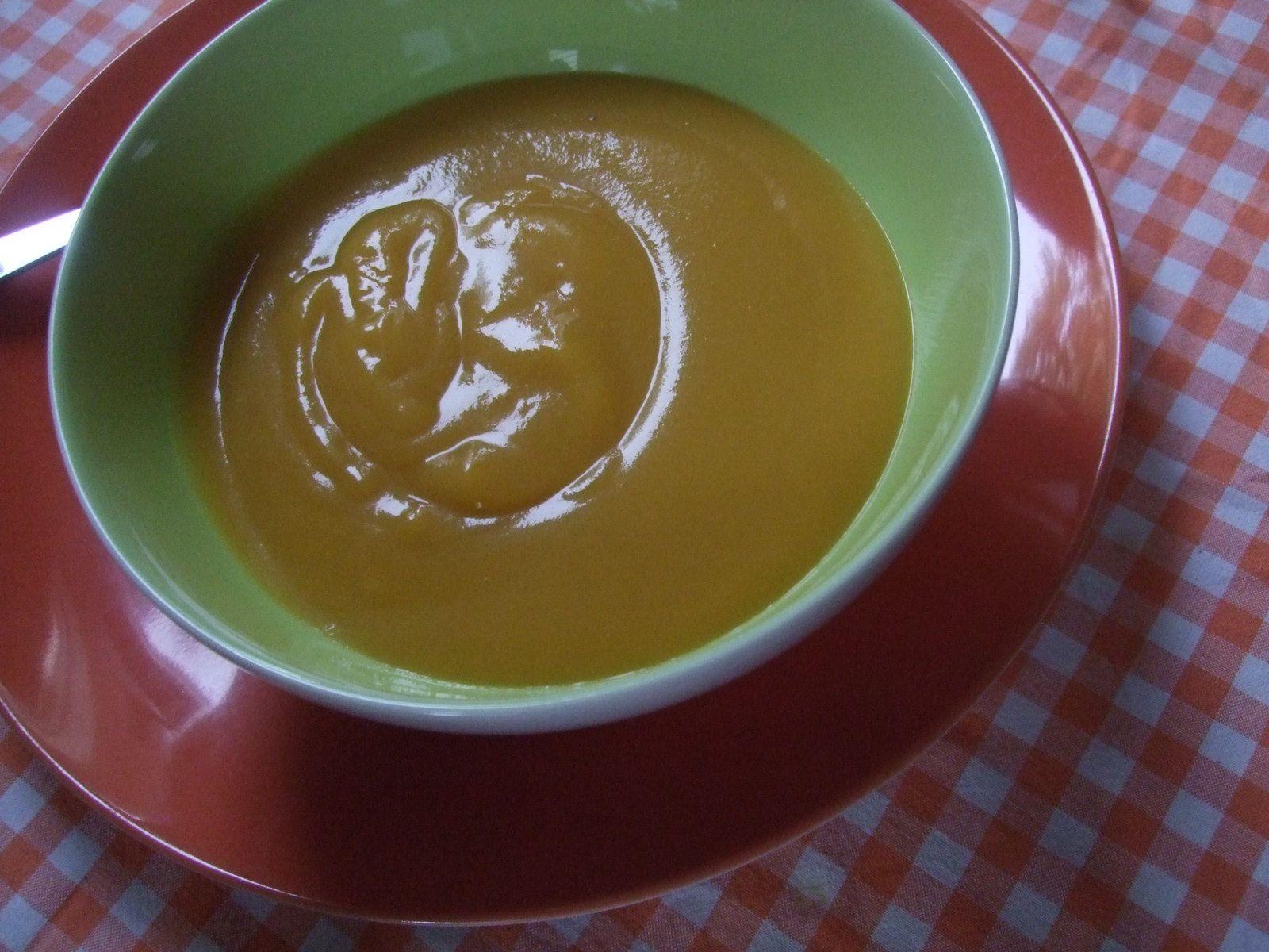 Soupe de potimarron et chou rave au curry.
