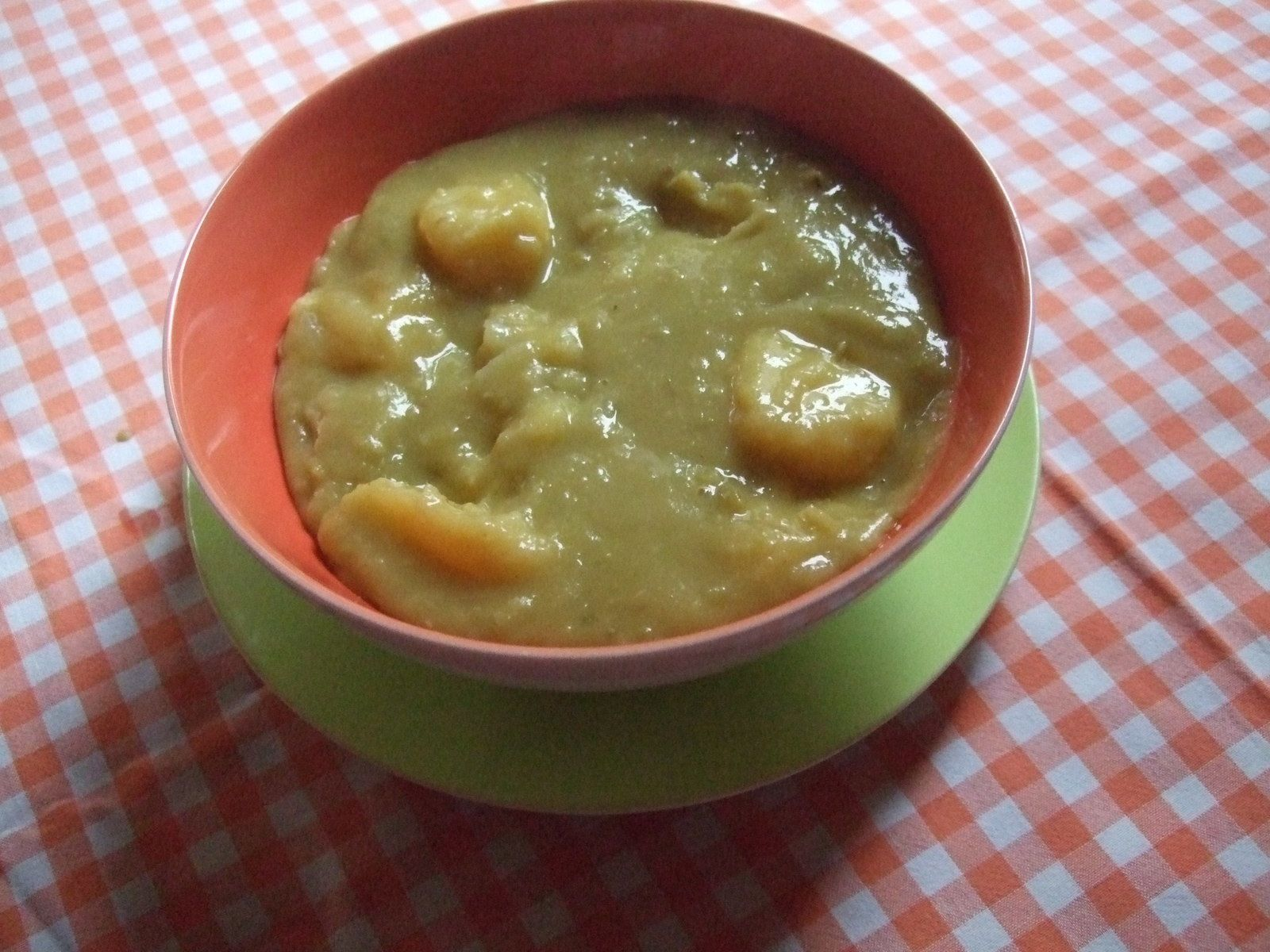 Soupe de pois cassés et pommes de terre