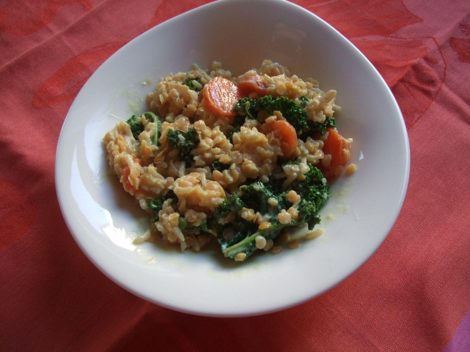 Riz, lentilles roses et chou kale au curry et lait de coco