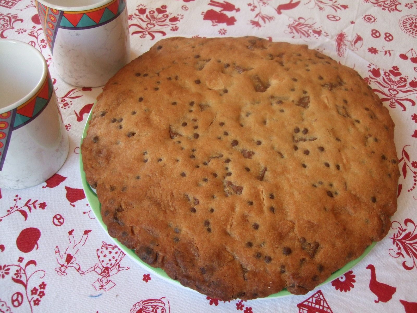 Cookie géant aux trois chocolats