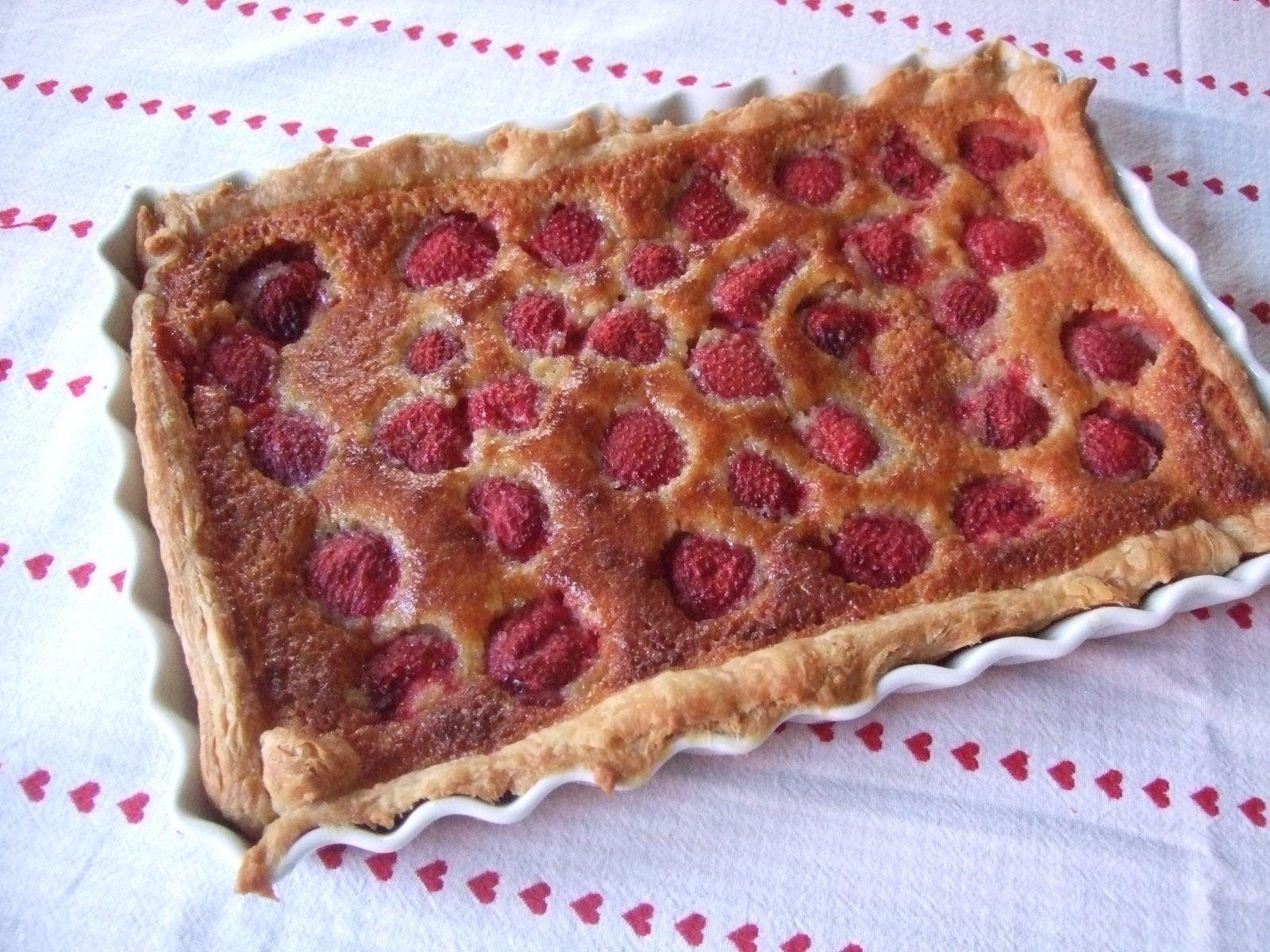 Tarte aux fraises sur fond de  lemon curd et amandes