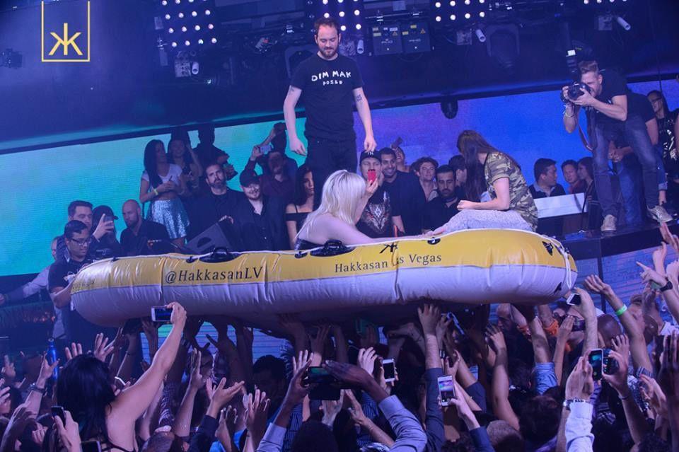 Tiësto photos:  surprise appearance for show Steve Aoki at Hakkasan 24 april 2014