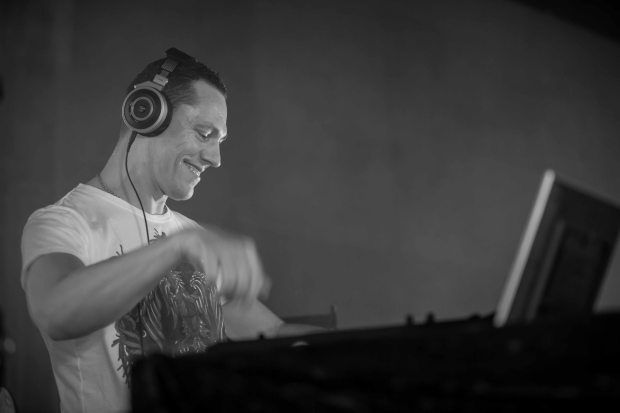 Tiësto photos - Topless Summer Pool Party, Los Angeles, CA 20 august 2014