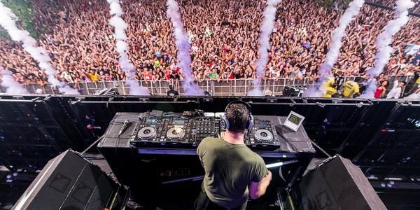 Tiësto photos: Budweiser Made In America Festival - Philadelphia, PA 30, 31 august 2014