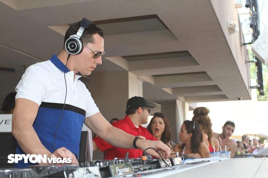 Tiësto photos: Wet Republic - Las Vegas, NV 20 september 2014