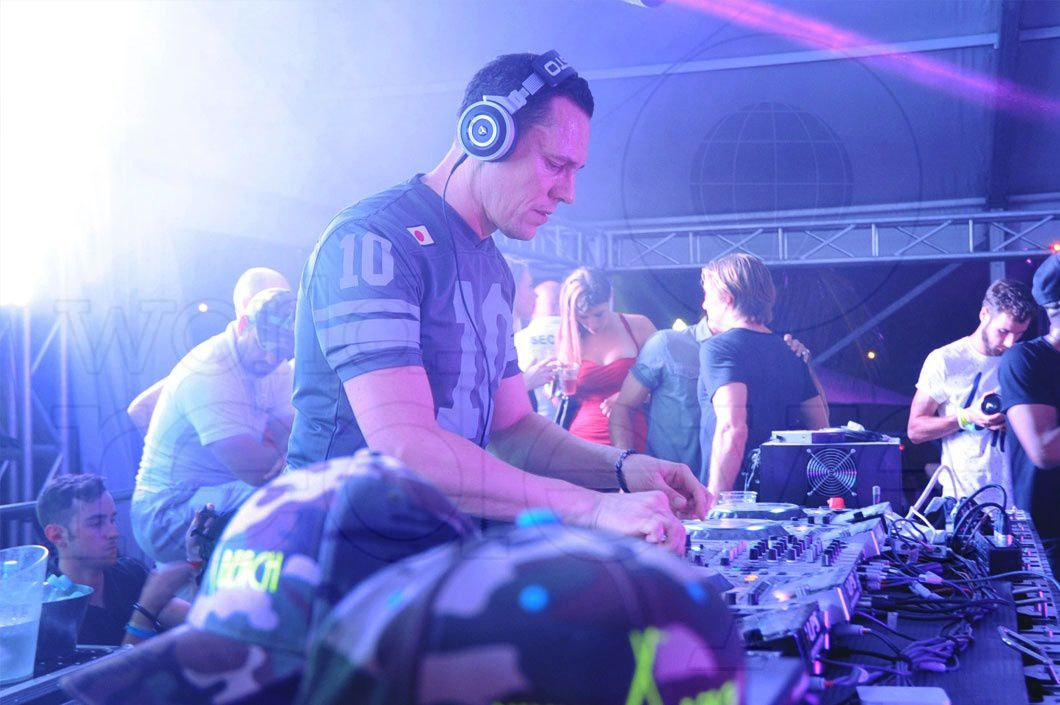 Tiësto club life 417 - march 28, 2015