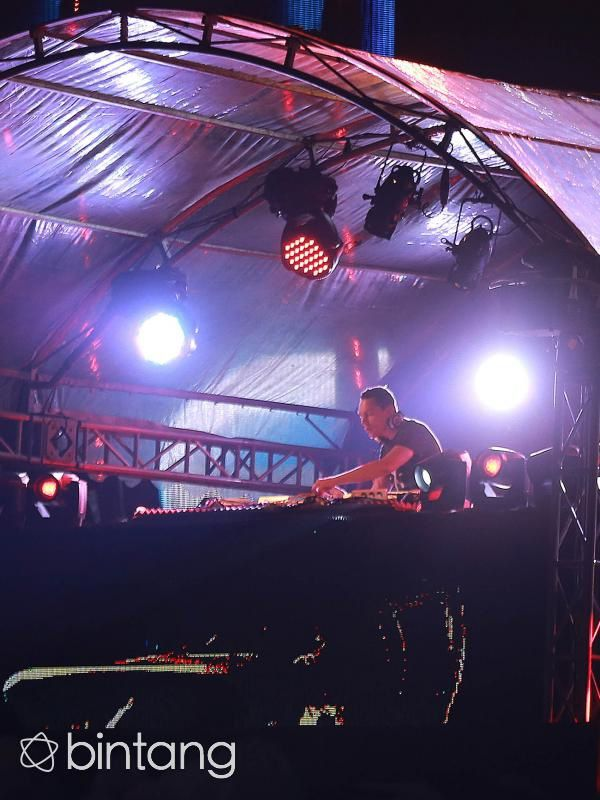 Tiësto photos | Djakarta Warehouse Project | Jakarta, Indonesia - december 12, 2015