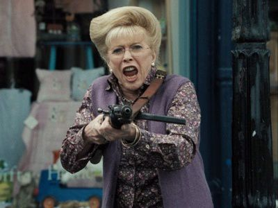"Billi Whitelaw dans ""Hot Fuzz"" (E. Wright, 2006)"