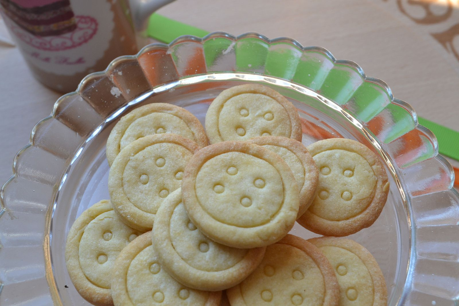 Petits biscuits boutons