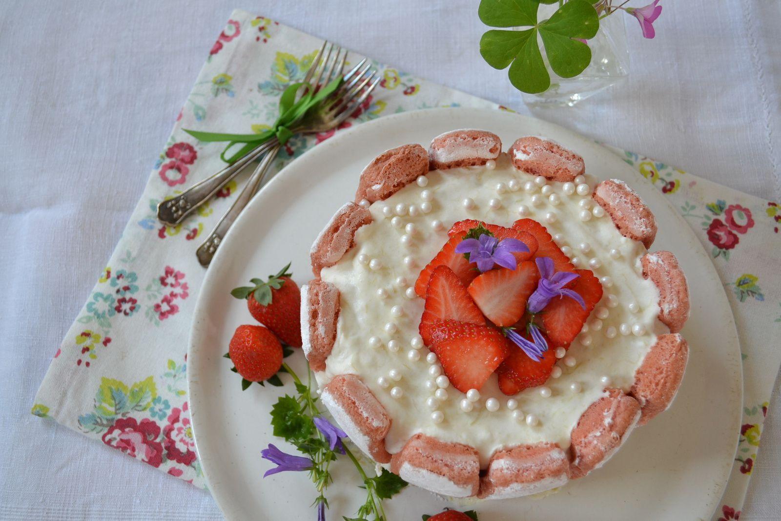 Charlotte rhubarbe fraises #dessert de fêtes