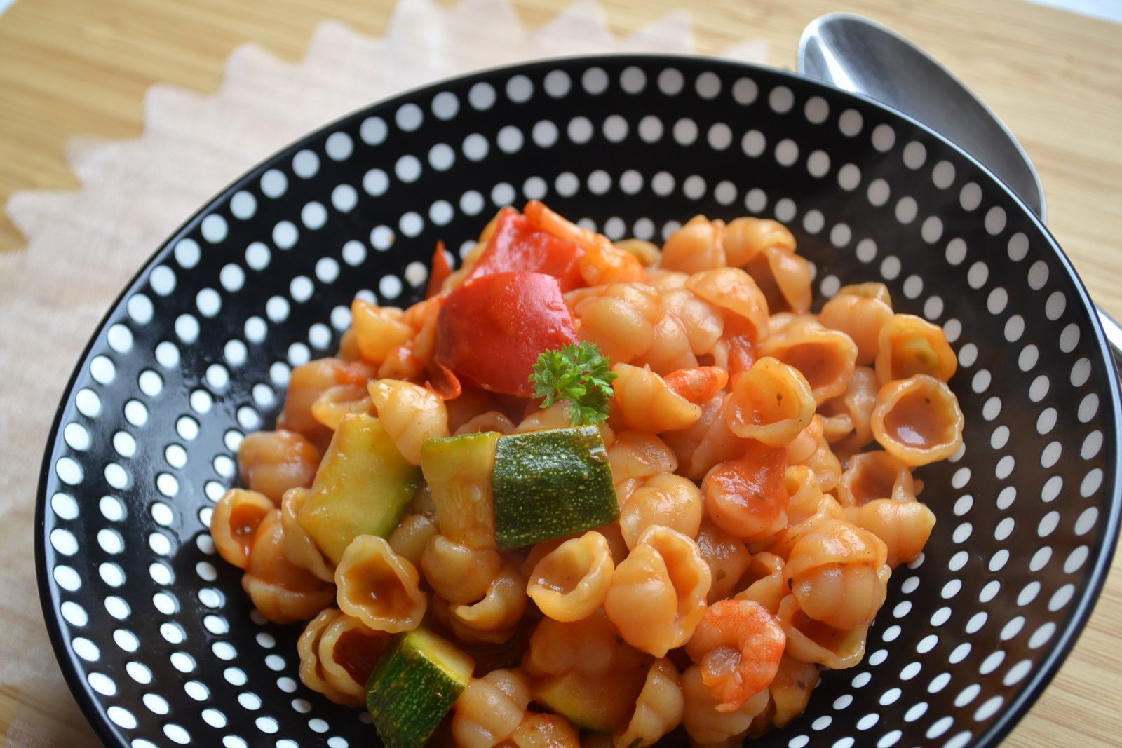 One Pan Pasta courgette tomates crevettes