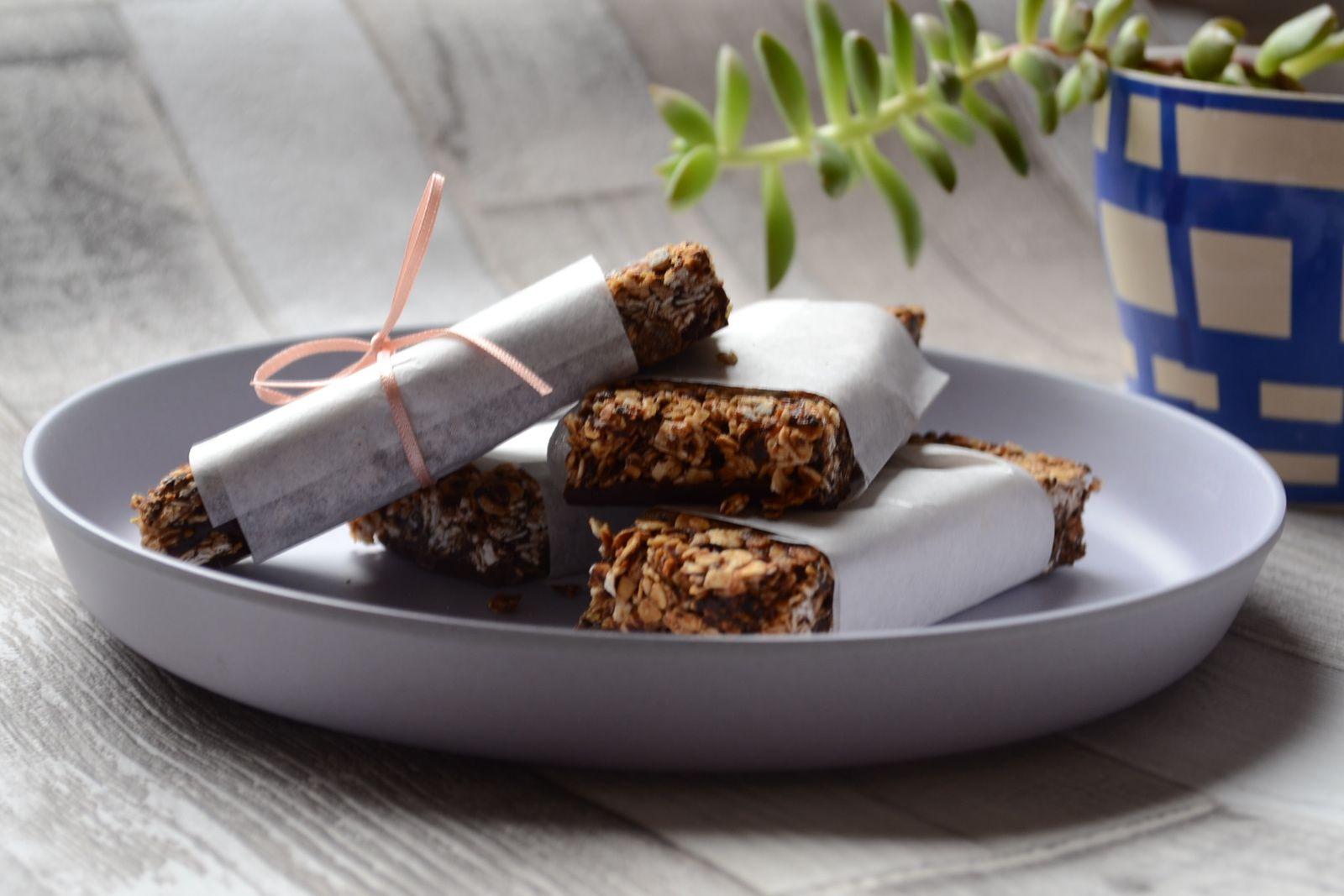 Barres de céréales aux fruits secs et chocolat
