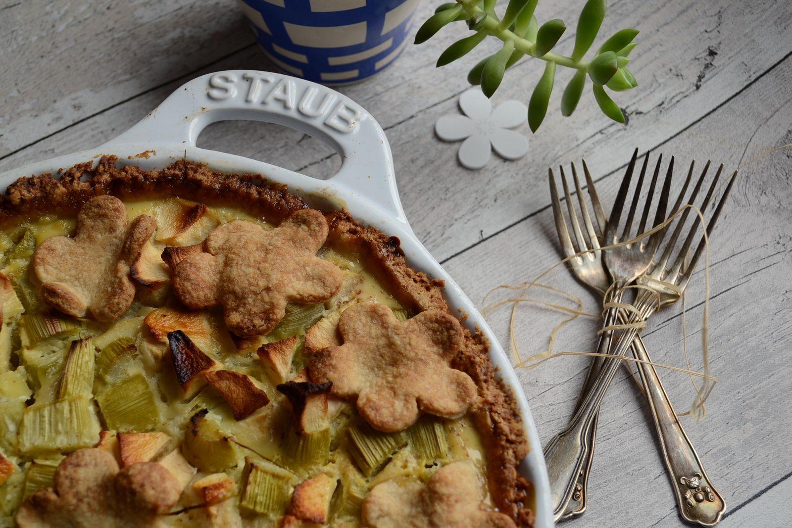 Tarte à la rhubarbe, pommes, petits suisses et cannelle