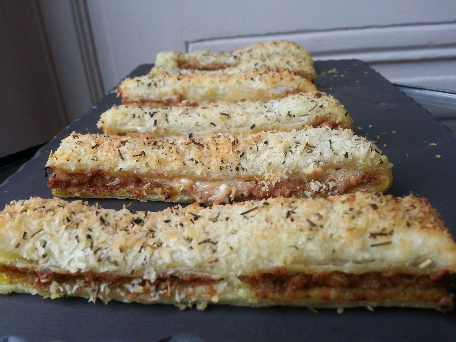 Allumettes feuilletées au thon, coco, curry et parmesan