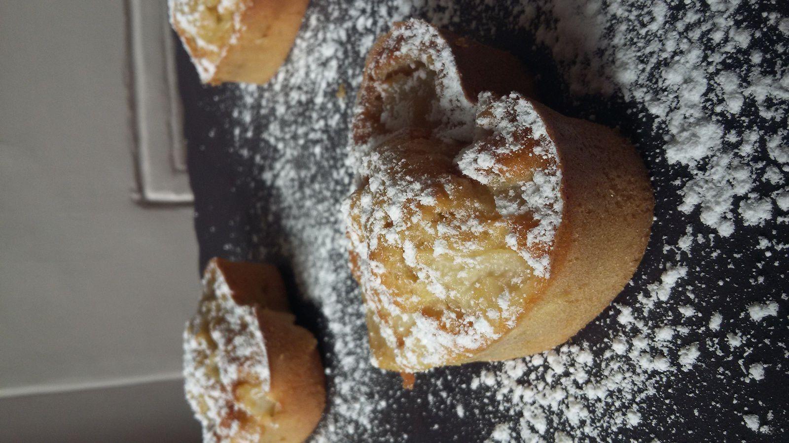 Gâteau moelleux poires amandes, sans lactose
