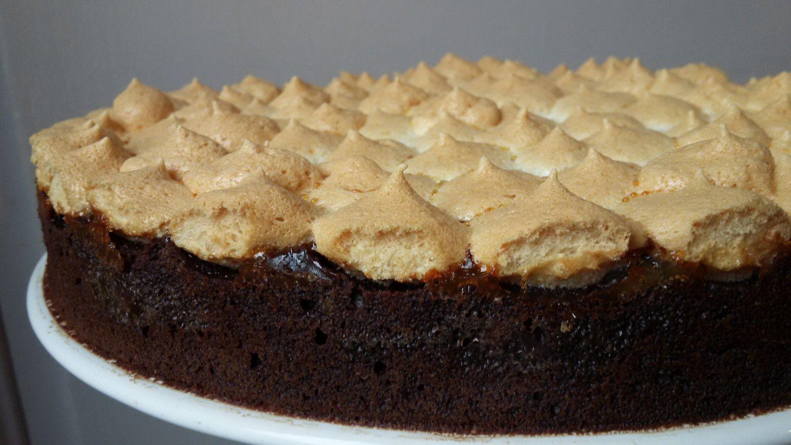 Gâteau chocolat noisettes meringué