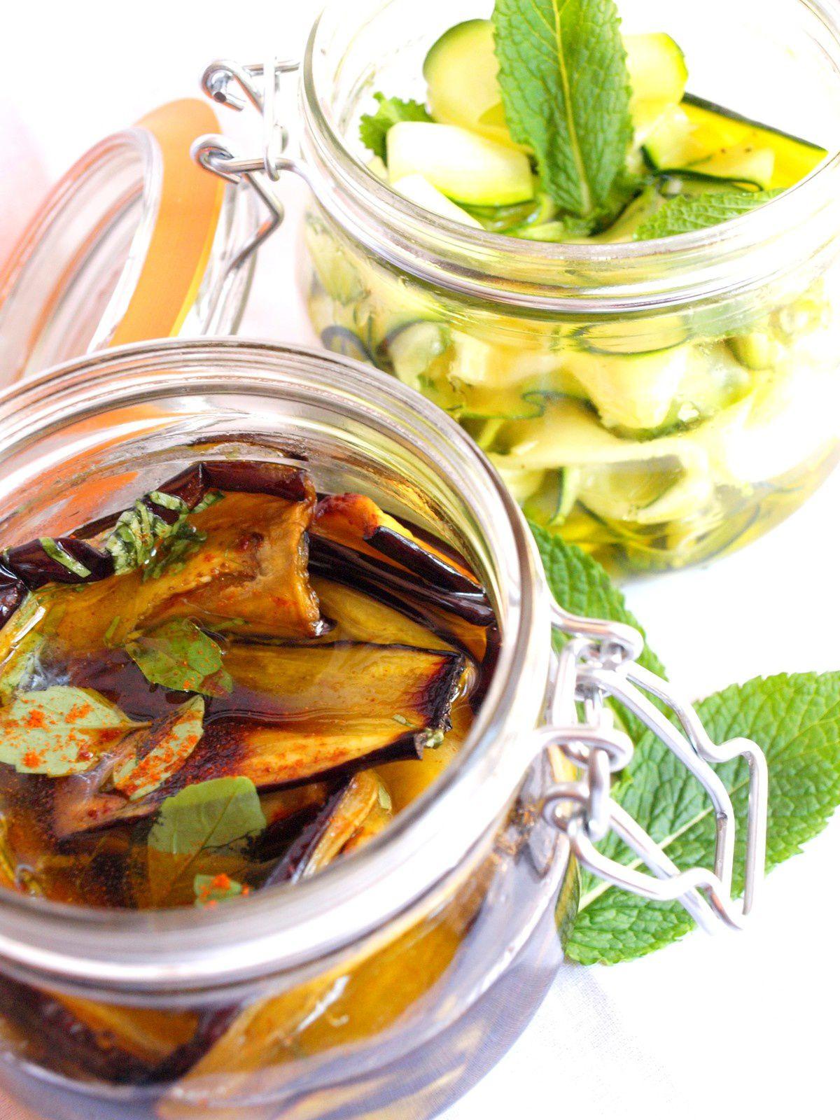 Aubergines marinées au basilic et au piment / Tagliatelles de courgettes marinées à la menthe, à l'ail et au citron