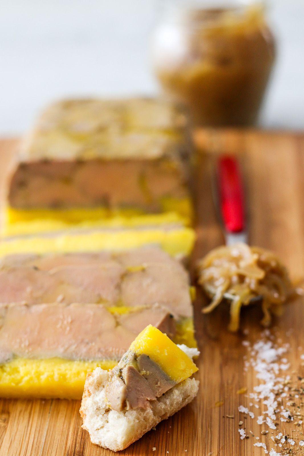 Terrine de foie gras mi-cuit, confit d'oignons au cidre