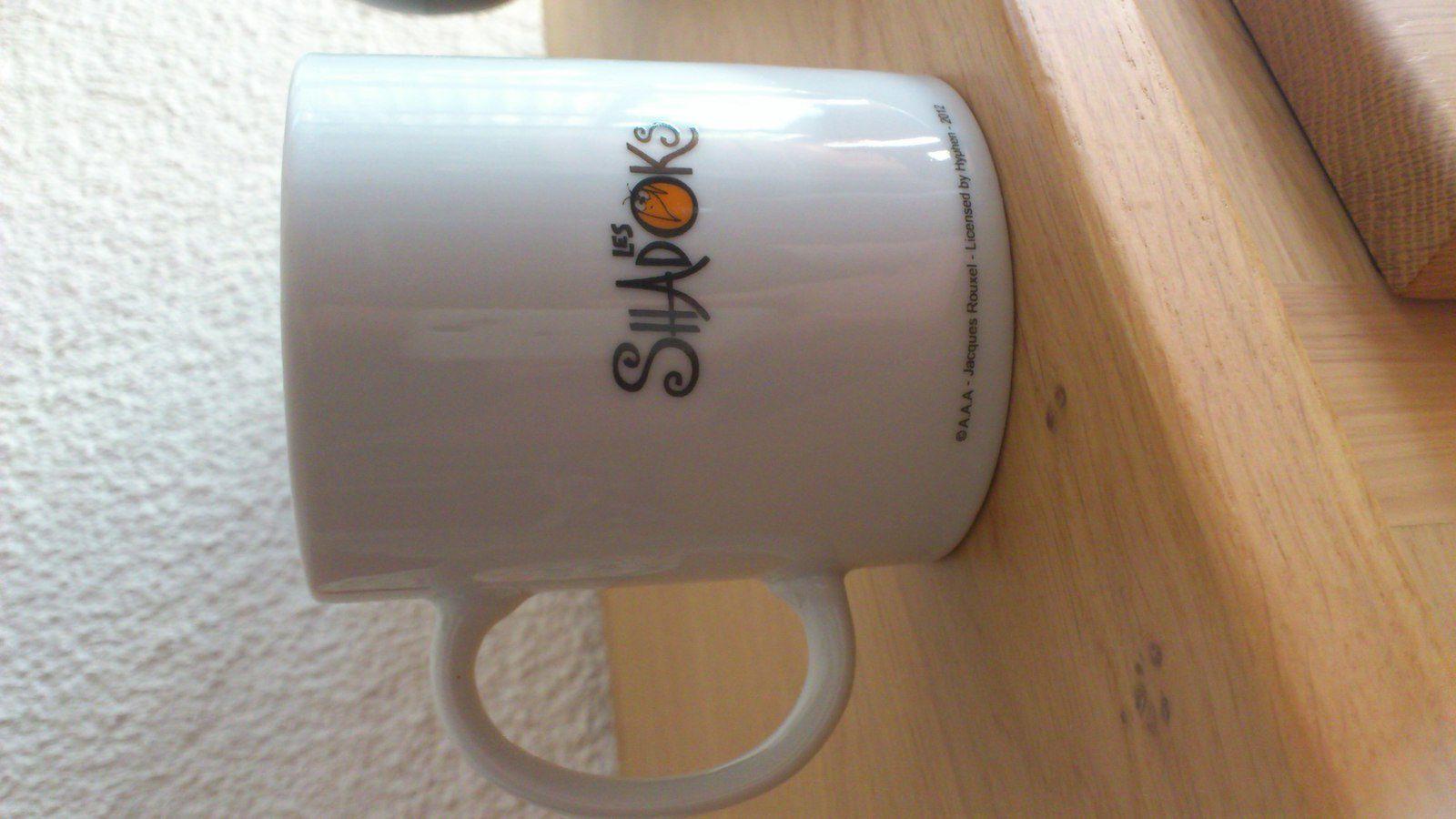 Je ne sais pas où elle a déniché ce mug, en tout cas elle a fait mouche ! Et personne n'a le droit de me le piquer.