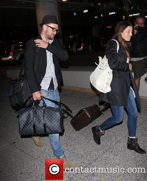 Photos: Justin et Jessica à LAX (26/03/14)