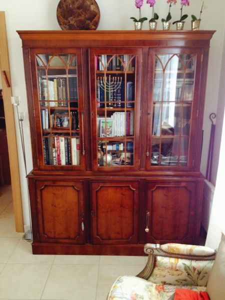 Relooking meuble peint biblioth que table bahut for Meuble anglais paris