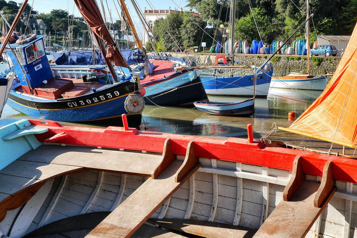 PORNIC : Échouage de vieux bateaux