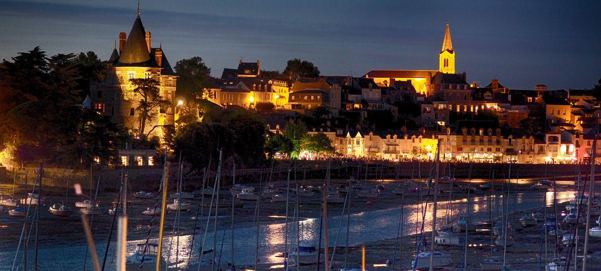 Paysage de nuit : le vieux port de Pornic