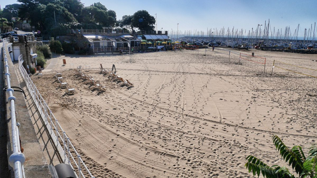 la plage de la Noëveillard se prépare...