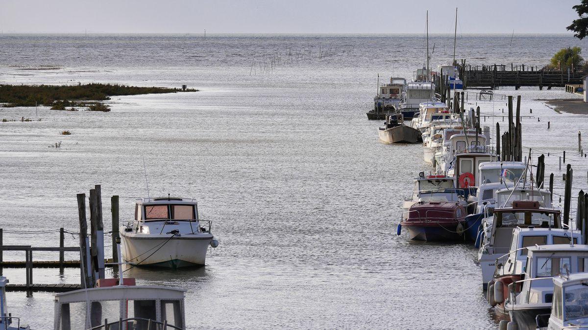 marée de 111 sur le port du COLLET