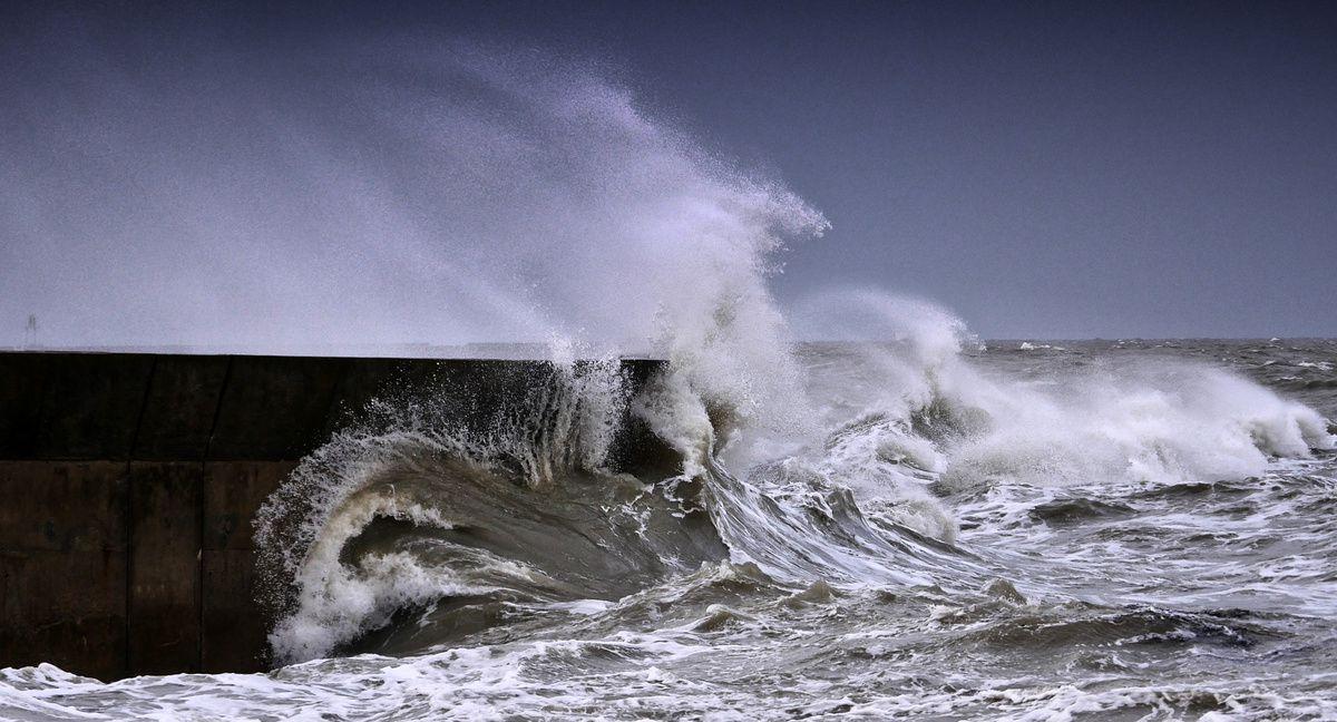 les plus belles vagues de tempête !...