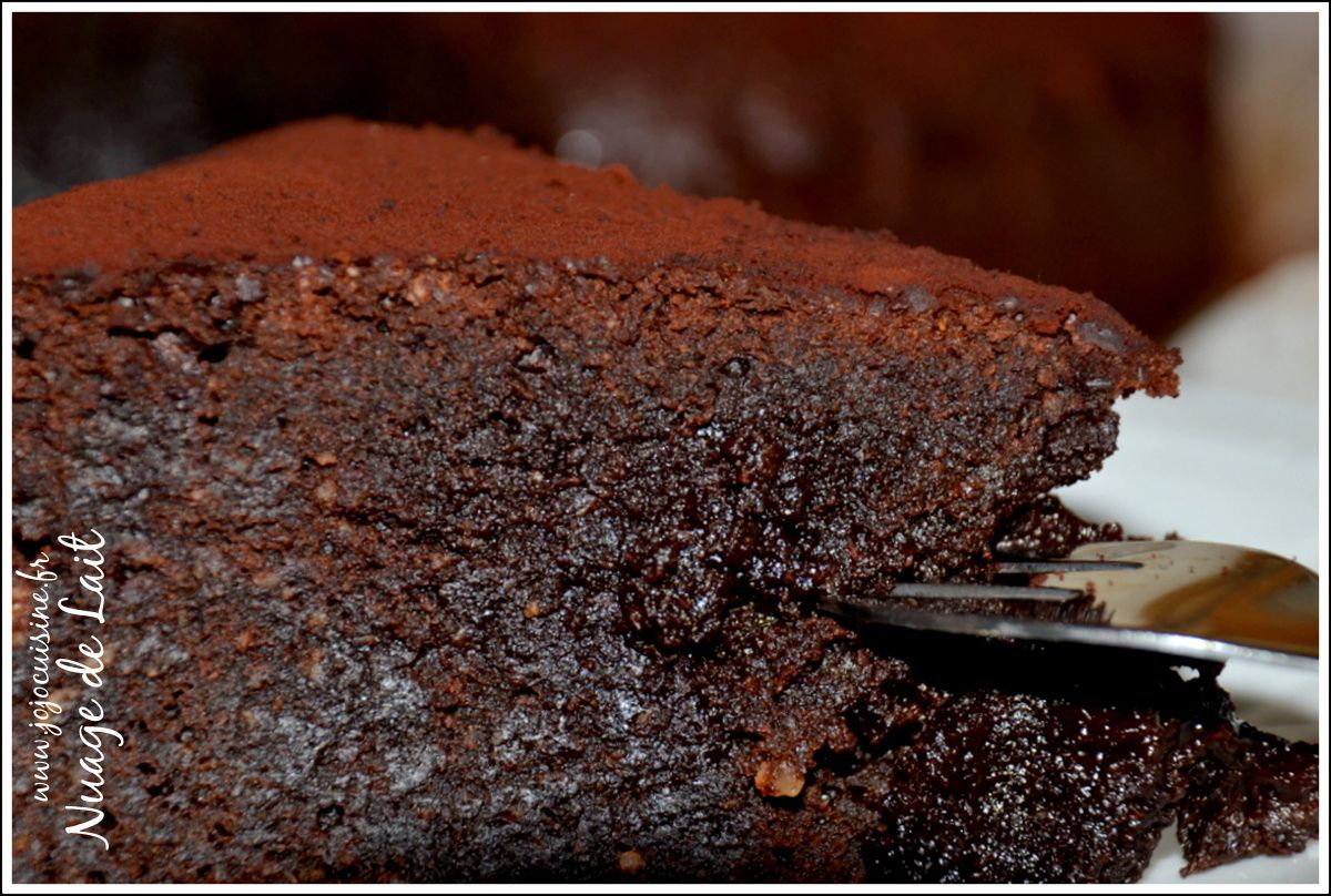 &quot&#x3B;The Ultimate Chocolate Cake&quot&#x3B; de Donna Hay Gâteau au Chocolat trèèès Fondant