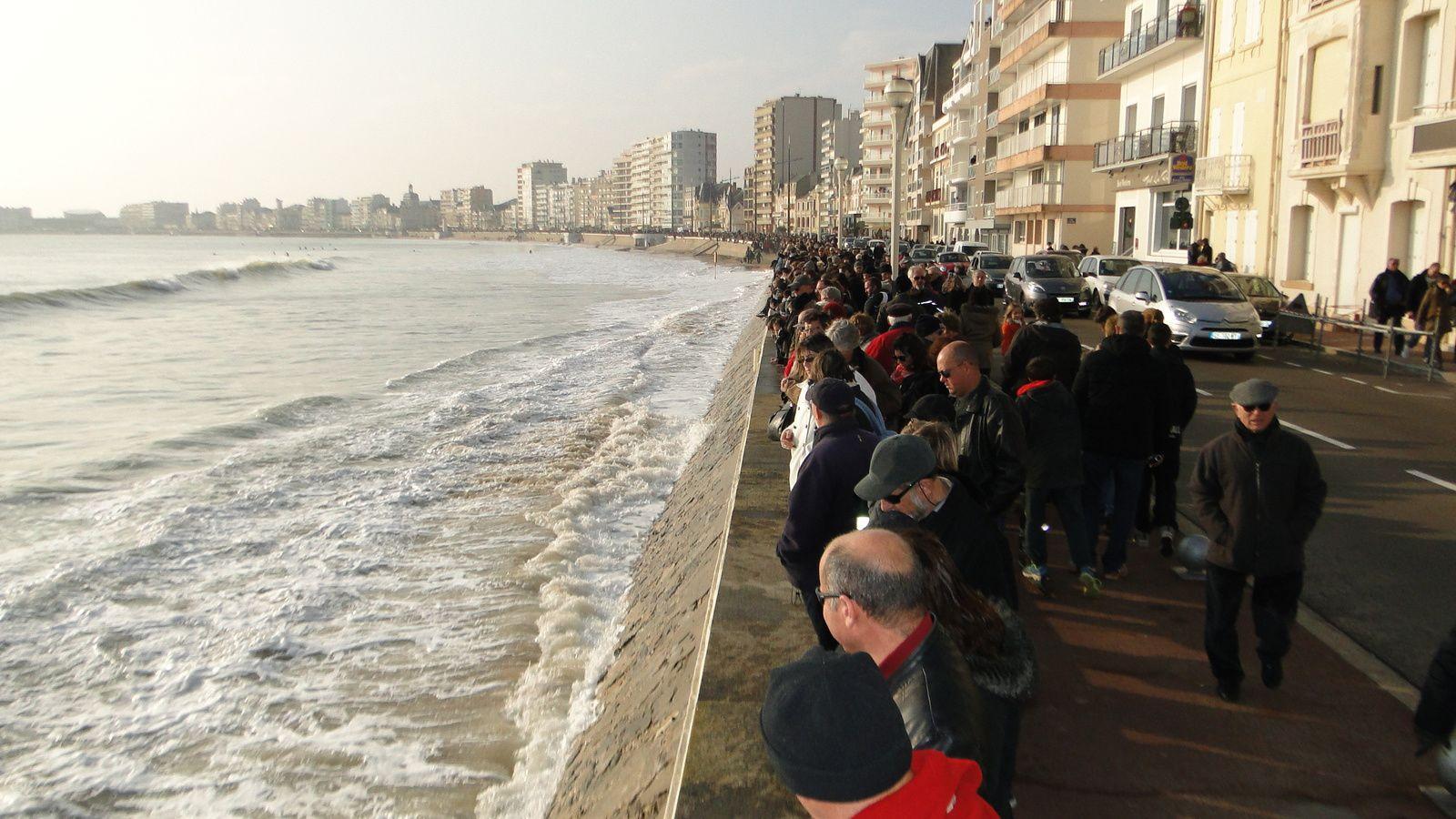 MAREE DITE DU SIECLE : le 21 mars 2015, 17h38, marée humaine aux Sables d'Olonne