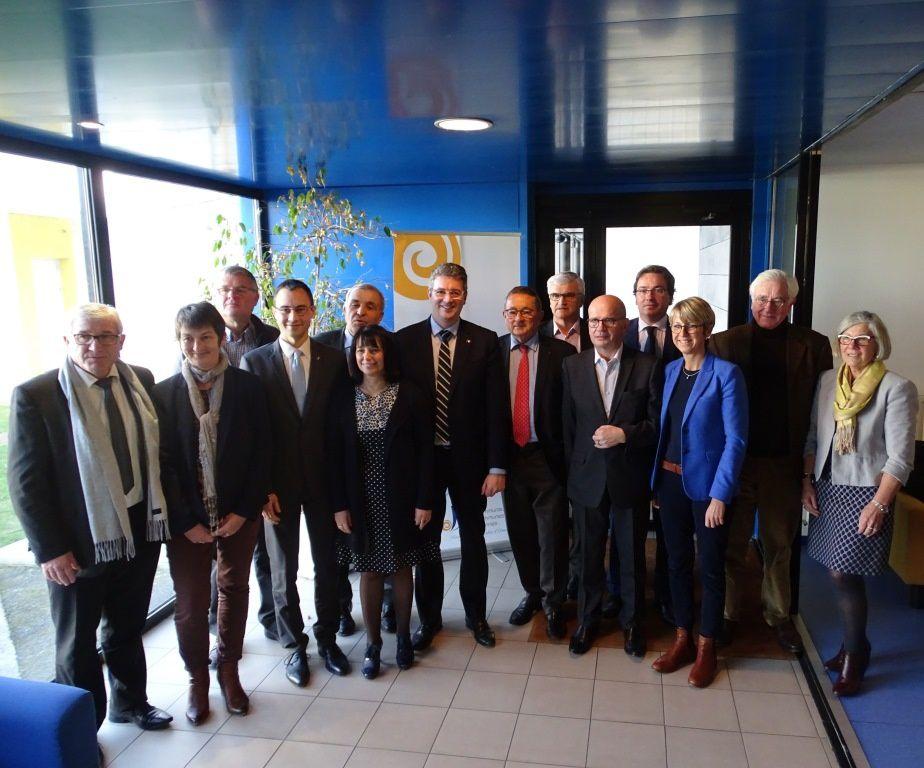 Le bureau de la Communauté d'agglomération élu le samedi 7 janvier 2016 (voir aussi http://www.olonnes.com/2017/01/les-sables-d-olonne-agglomeration-a-elu-son-premier-president-le-depute-maire-adjoint-d-olonne-sur-mer-tannick-moreau.html )