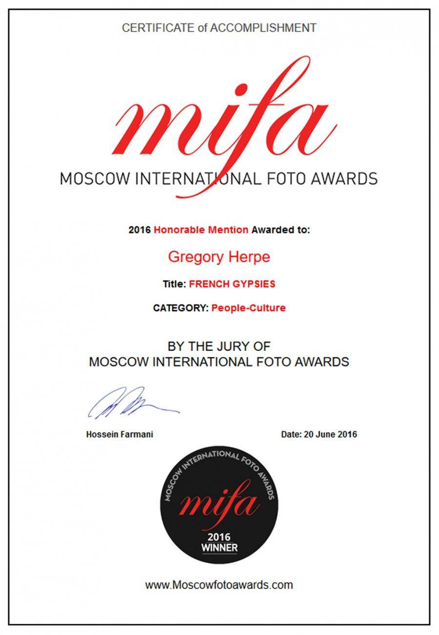 Photographie: Grégory Herpe, revenu du Cambodge pour recevoir un prix de Moscou! interview par Nicolas Caudeville