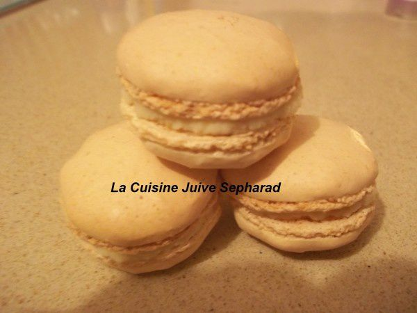 MACARONS A L`ORANGE