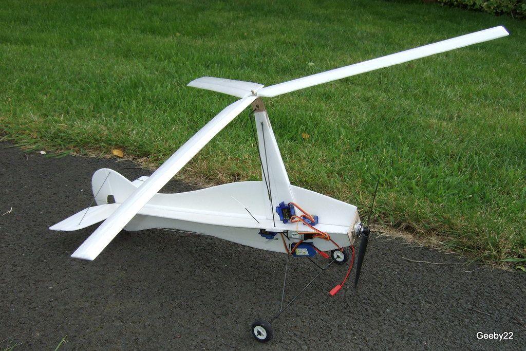 L'autogire équipée d'un rotor tripale