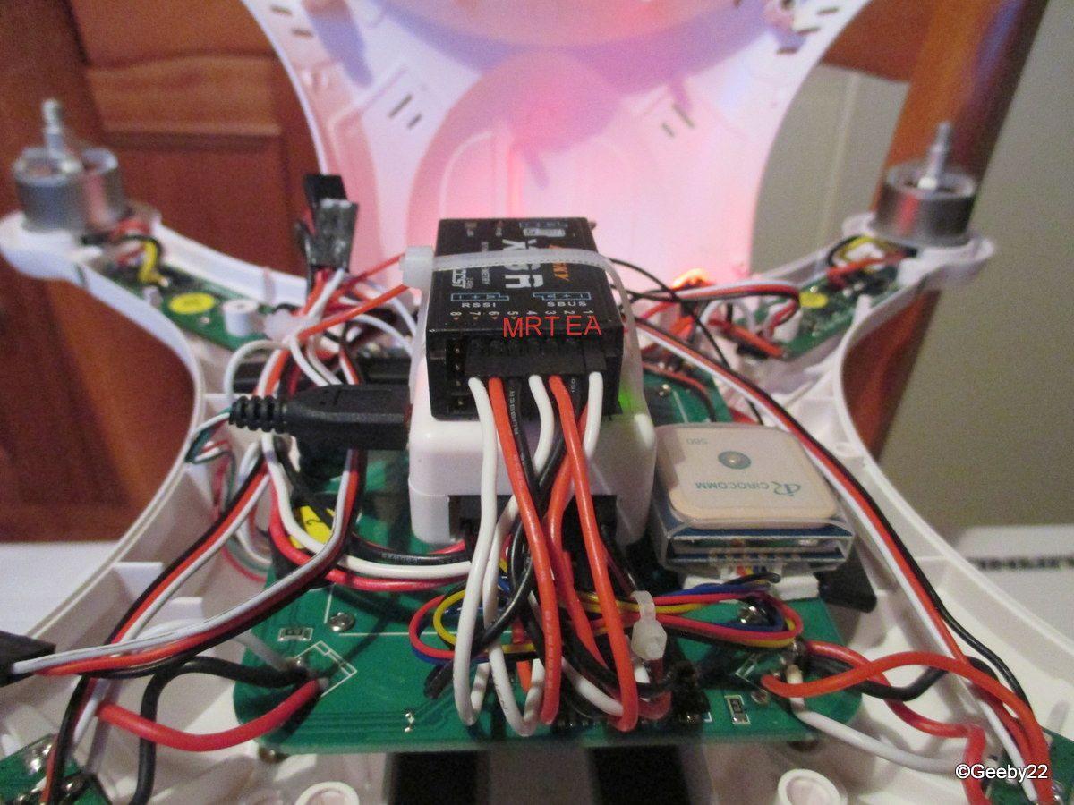 Rx et contrôleur de vol avec leurs connexions et l'alimentation (en ch 8) manquante ici.