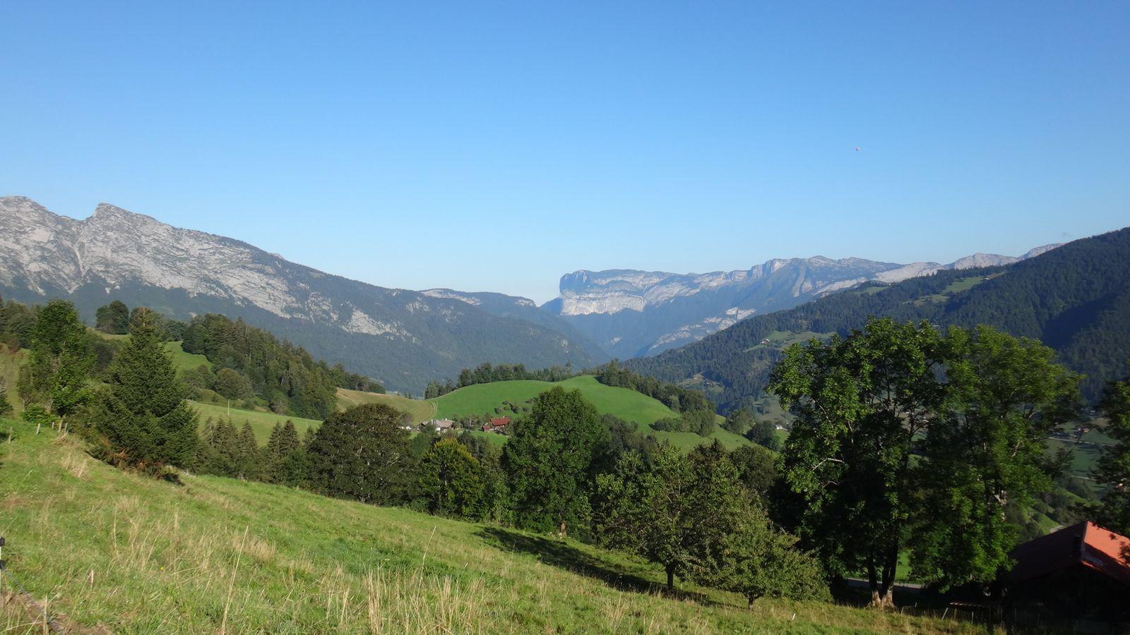 Cols de la Croix Fry, Plan de Bois, l'Epine.