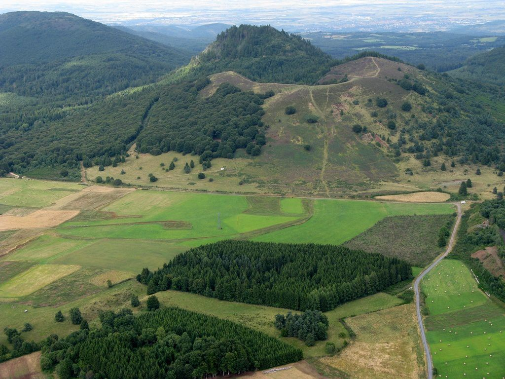 Massif Central - Puy des Gouttes and Puy Chopine - aerial photos paramotor / Puy de Dome, courtesy of Damien Bouyssi