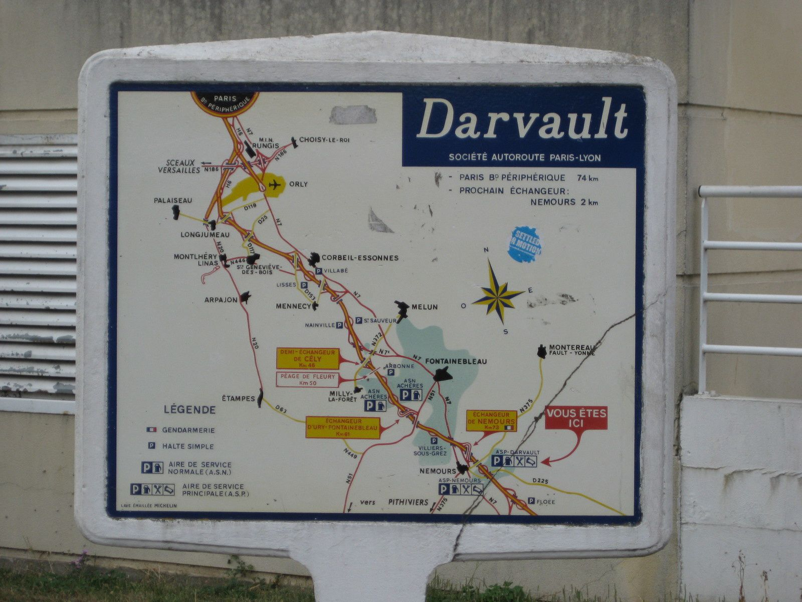 Enameled lava plate on concrete substrate - A6 Darvault / Company motorway Paris -Lyon