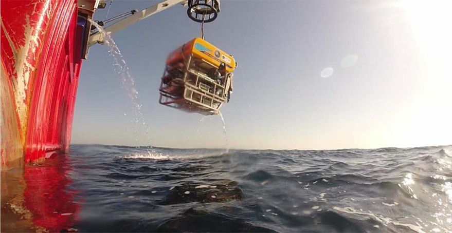 Launching of the ROV Luso - photo IGME