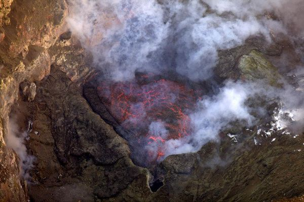 Erebus - 01.12.2012 - the lava lake - photo MEVO