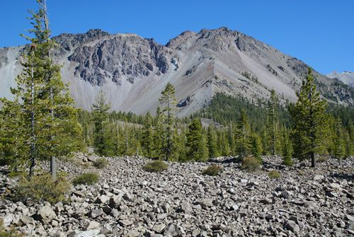 Lassen volcanic park - Chaos Crags and Chaos Jumbles - photo John Soares
